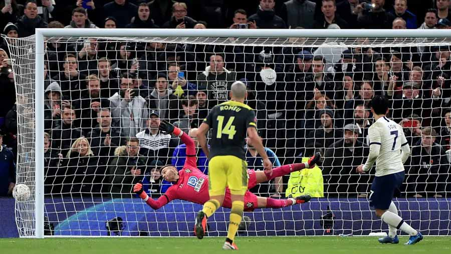 Spurs beat Southampton in FA Cup replay