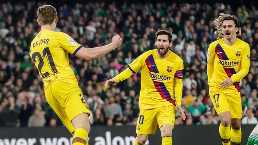 Barca come back to beat Real Betis