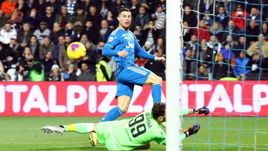 CR7 matches record in 1000th game in Juve win