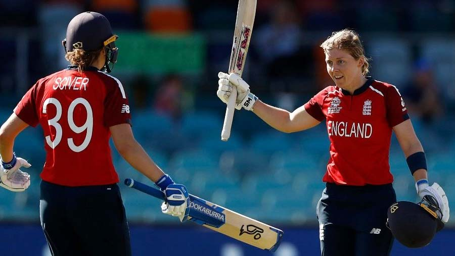 Knight hits first ton of T20 WC as England win