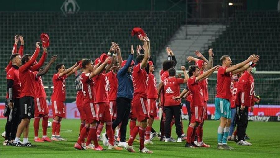 Bayern clinch eighth straight Bundesliga title