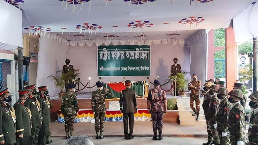 War hero CR Dutta's body cremated with state honour