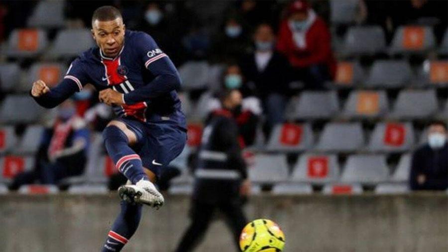 Mbappe double helps PSG beat Nimes