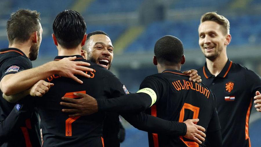 Wijnaldum winner not enough for Dutch