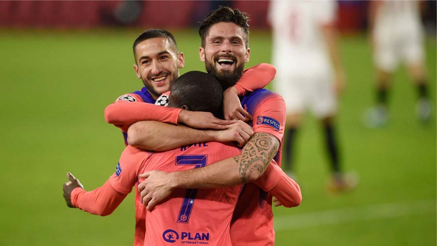 Giroud breaks C' League record with 4-goal haul