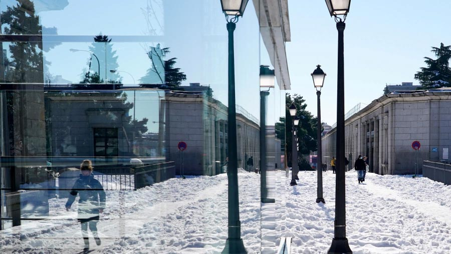 Madrid paralysed after heavy snowfall