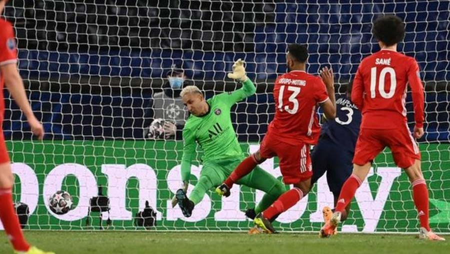 PSG reach last four with away-goals win