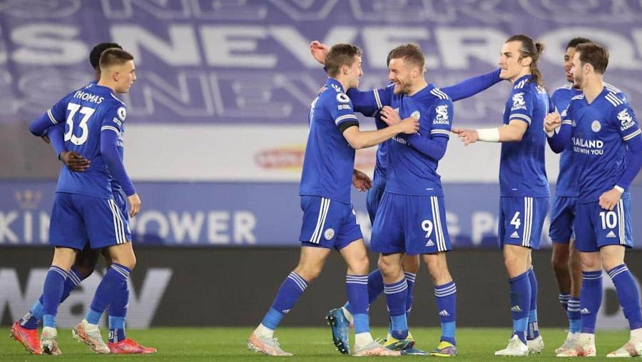 Leicester win to move closer to UCL