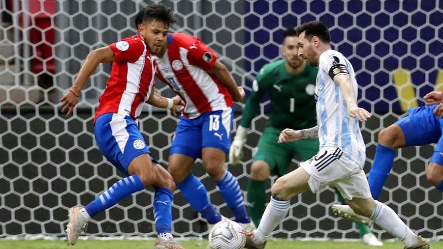 Argentina, Chile through to Copa America quarters