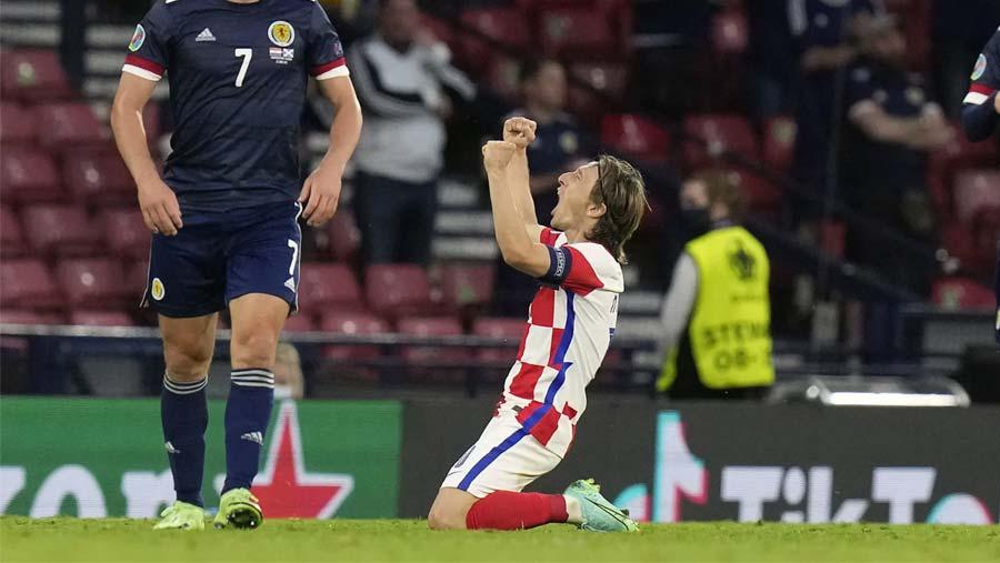Scotland's Euro hopes ended by Croatia