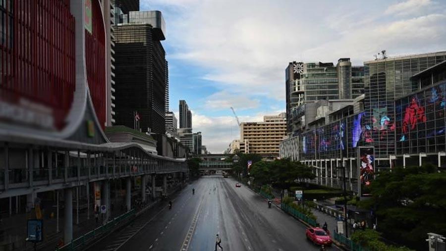 Thailand sees tougher Covid curbs bite, including Bangkok curfew