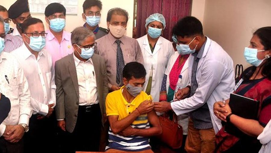 Temporary vaccination centre inaugurated at DU